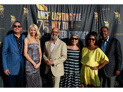 Dr. Lomax and Nancy Silberkleit with Keeper of the Flame honorees, R. Donahue Peebles with his wife, Katrina Peebles, and Sharlee Jeter, and her father, Dr. S. Charles Jeter.